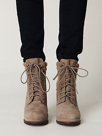 I'm not a big fan of this style, but for some reason i like these Shoes