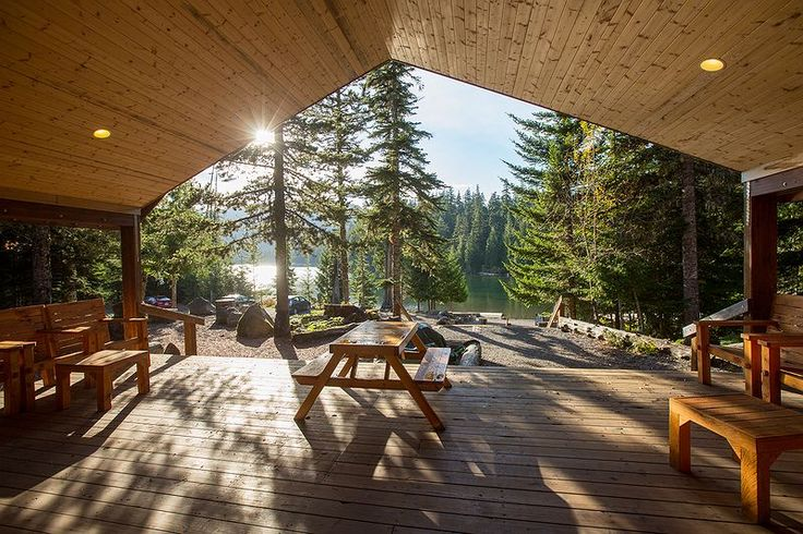 Lost lake campground cabins and yurts as well mt hood for Oregon state parks yurts and cabins