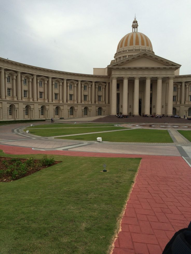 Infosys mysore campus glibal education centre 2-consist of musical fountain and largest building in india after independence
