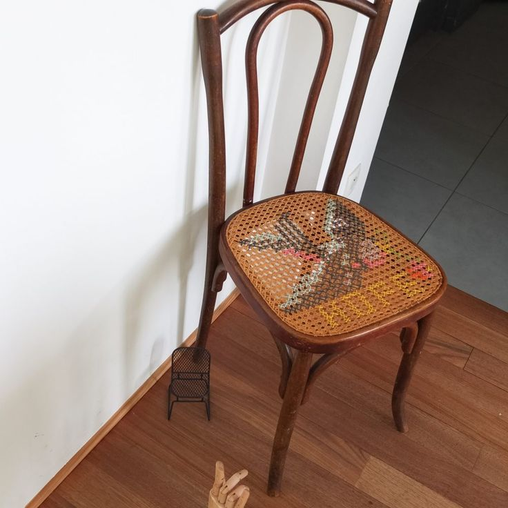 les 25 meilleures id es de la cat gorie cannage de chaise sur pinterest cannage chaise marcel. Black Bedroom Furniture Sets. Home Design Ideas