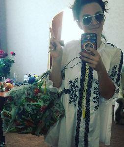 Ваенга взорвала Сеть селфи в мини http://womenbox.net/stars/vaenga-vzorvala-set-selfi-v-mini/  Елена Ваенга Фото: Instagram.com/vaengaofficial Ваенга взорвала Сеть селфи в мини Тамара Астапенкова 21 июня 2016 10:37 Елена решила поэкспериментировать со своими имиджем Как известно, певица Елена Ваенга любит длинные юбки