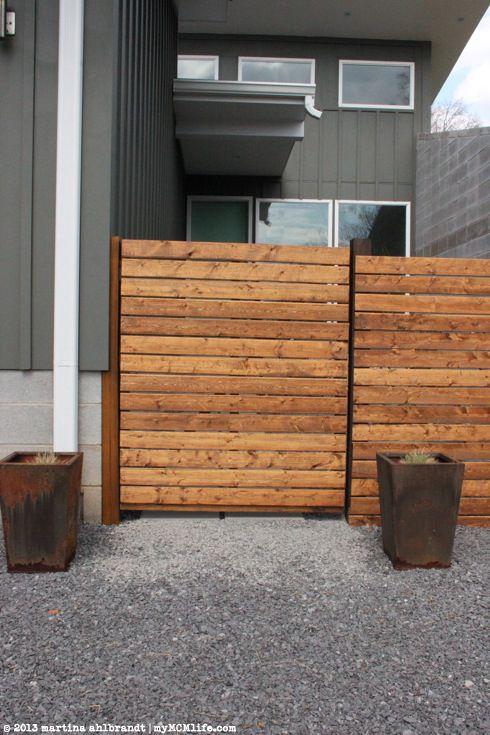 DIY: Modern Wood Fence and Gate (Courtyard Edition) - myMCMlife.com
