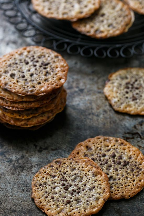 Chocolate-Filled Almond Lace Sandwich Cookies /
