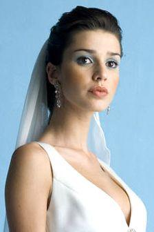Bruidskapsels met sluier - deel 1 | Bruidskapsel.nl | Bruidskapsel, bruidskapsels, bruidskappers, bruidskaper, haar bruid, kort bruidskapsel...