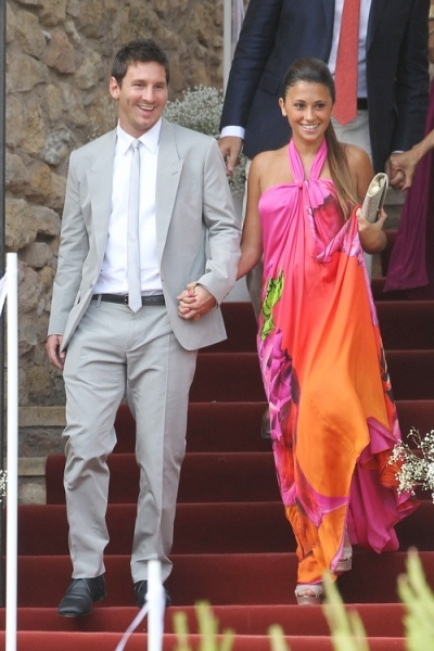 Messi With Girlfriend Antonella Roccuzzo