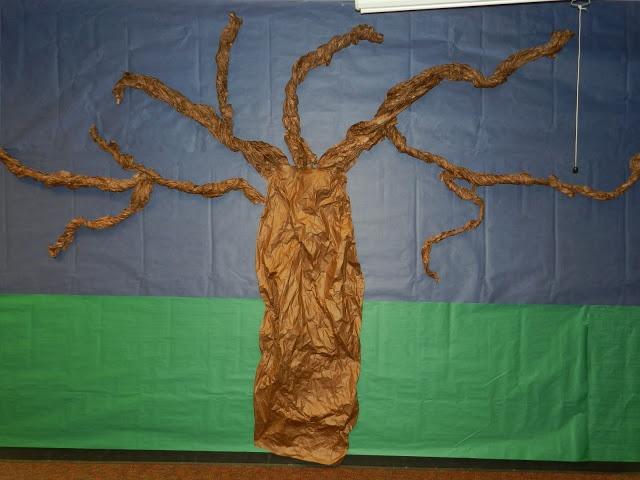 Tree bulletin board....as seasons change add accordingly....fall = bats, owls, etc, spring = birds, butterflies