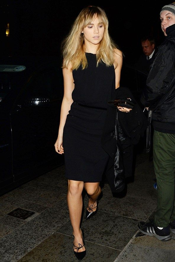 LBD boat neck, pointed black shoes