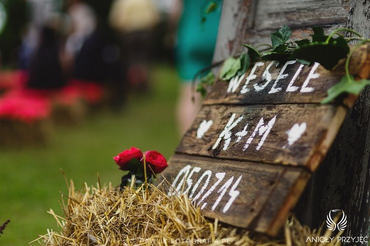 12. Rock Wedding,Outdoor ceremony,Wedding sign,Bundles / Rockowe wesele,Ceremonia w plenerze,Snopki siana,Anioły Przyjęć