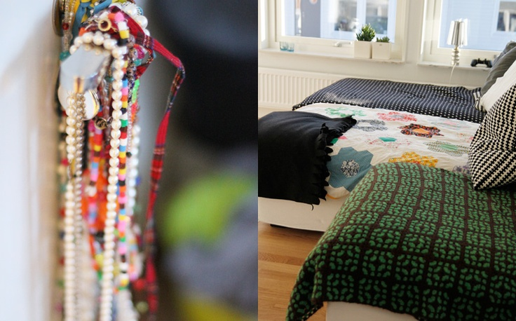 necklaces hanging on a doorhandle, still no hooks.*sofa, ikea kivik, with blankets. the green/brown and the quilted are flee market finds. the black wiht white stars is from lexington* lamp, fleemarket* flowerpots from asa*