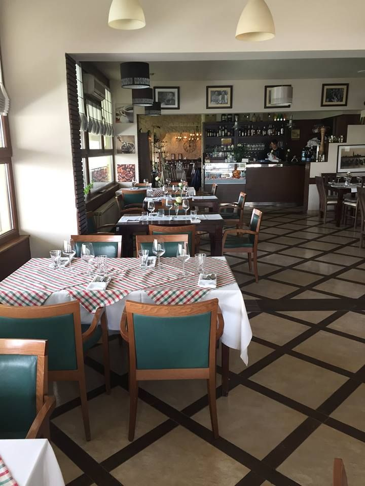 Wloska Kuchnia To Nie Tylko Wyjatkowy Smak Ale Przede Wszystkim Klimat U Nas Go Nigdy Nie Zabraknie D Http Italia Restaurant Italian Restaurant Restaurant