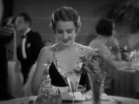 """Forbidden (1932) = Amor prohibido / Frank Capra. Los niños se burlan de Lulú: --- """"Vieja cuatro ojos, vieja cuatro ojos"""""""