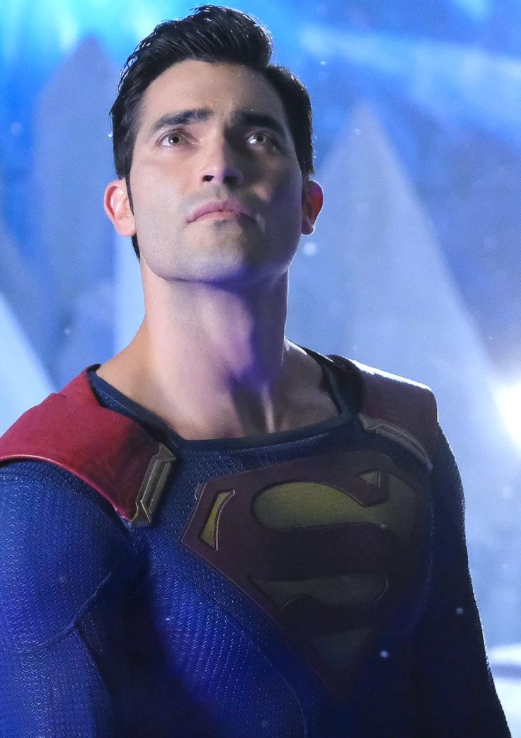 DEREK IS SUPERMAN IN SUPERGIRL!!! I CANT