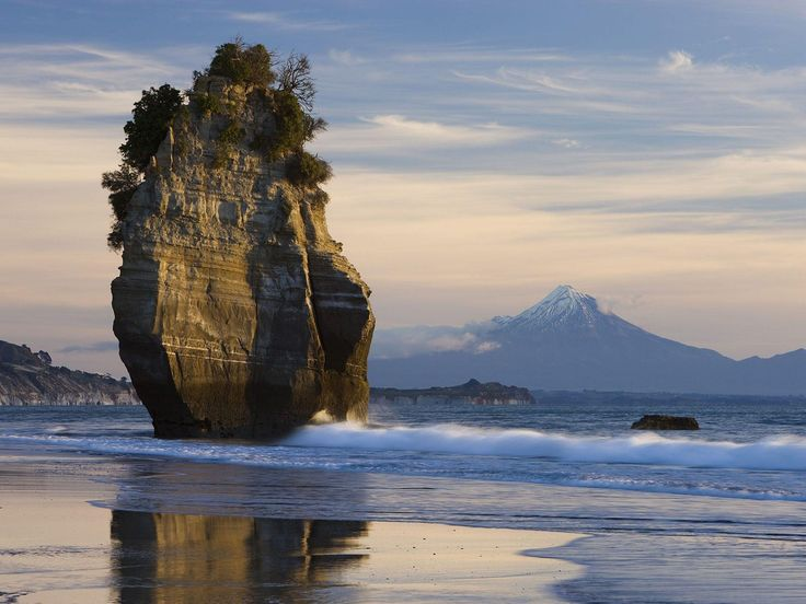Mount Taranaki New Zealand   Sea Stack & Mount Taranaki, New Zealand [2560x1920]