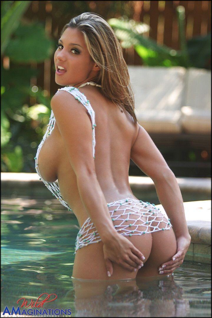 Correa sexy