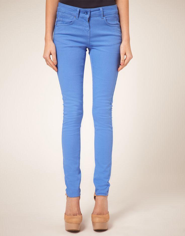 ТенденцияНеобычная джинса в новых коллекциях