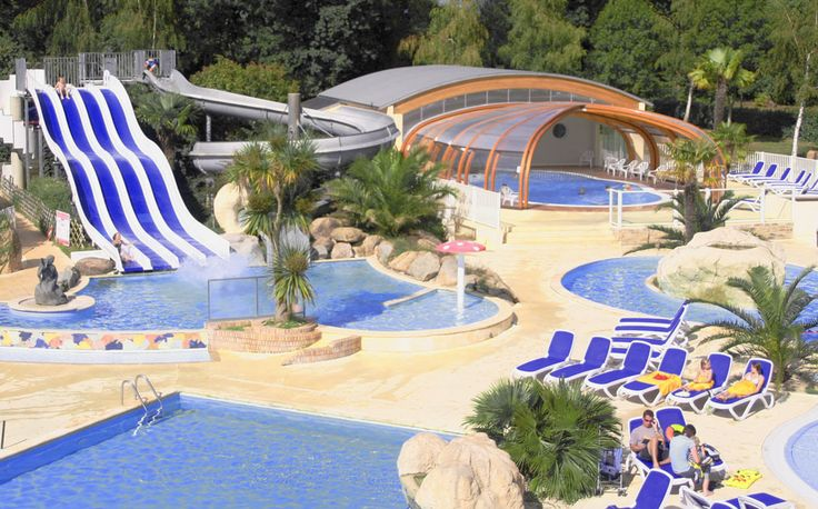 Les 25 meilleures id es concernant camping avec piscine for Camping avec piscine couverte et toboggan