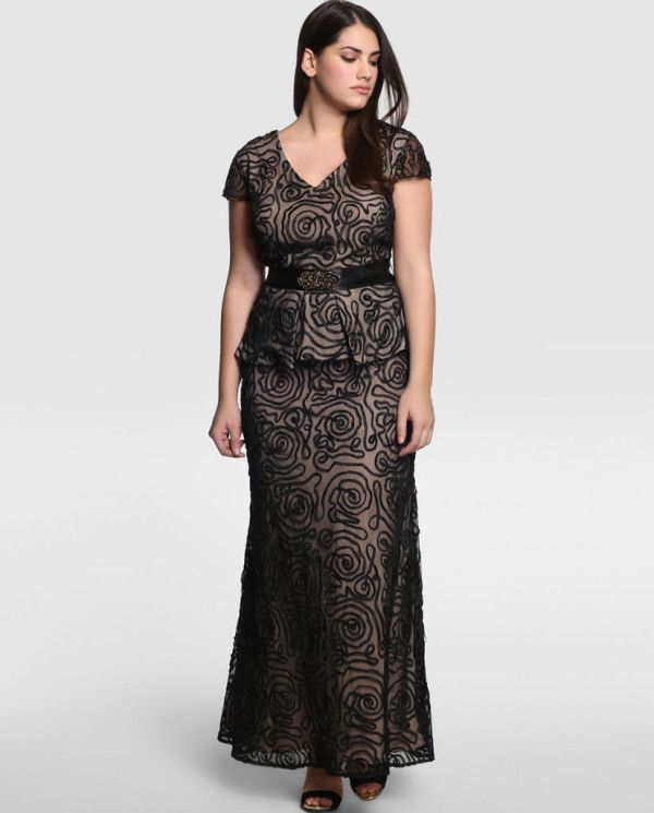 Dama con talla de tetas kkk