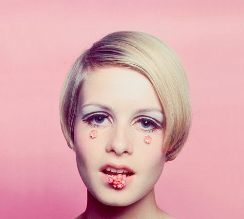 Twiggy was the world's first supermodel: a skinny kid with ...