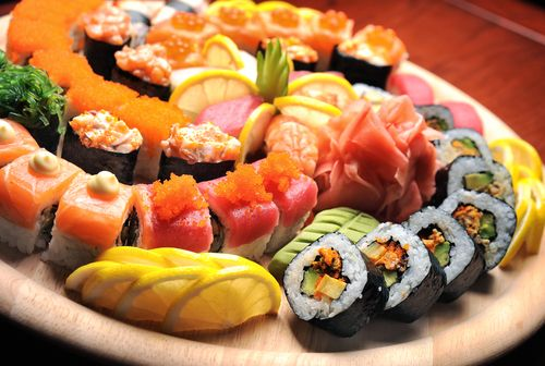 Fine Dining in Houston: amazing sushi platter with scallop delite included! yum!