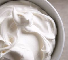 Tårtfyllning - vit chokladmousse