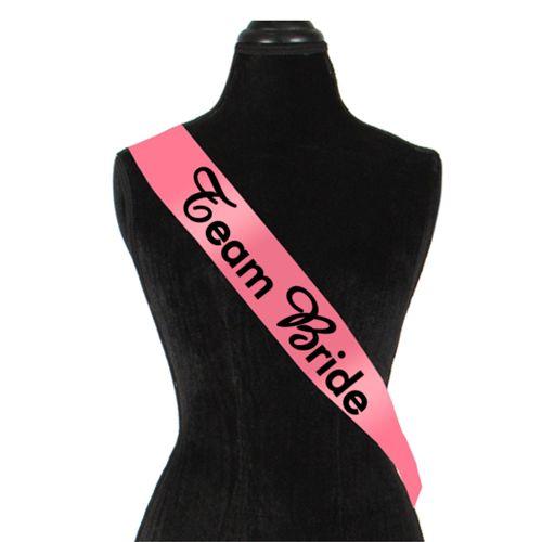Panglica Team Bride    Panglica personalizata pentru domnisoarele de onoare cu mesajul Team Bride (Echipa Miresei). Panglica este un  accesoriu minunat pentru petrecerea burlacitelor.
