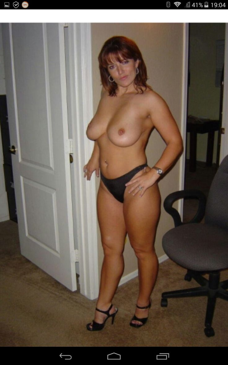 hot amateur nude fit wife