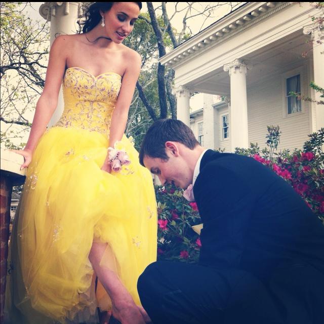 Cute Cinderella Pose!   Prom   Pinterest   Prom Pics, Yellow Dress and ...