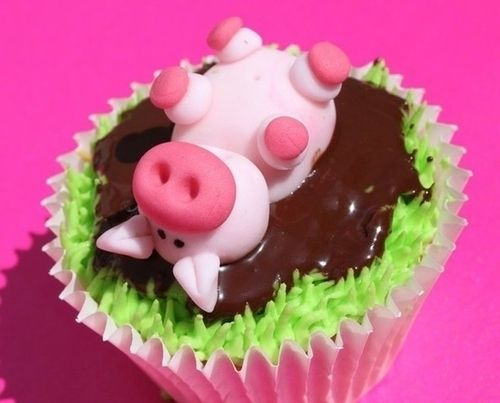This pig rolling in mud. | Community Post: 30 Animal Cupcakes Too Cute To Eat