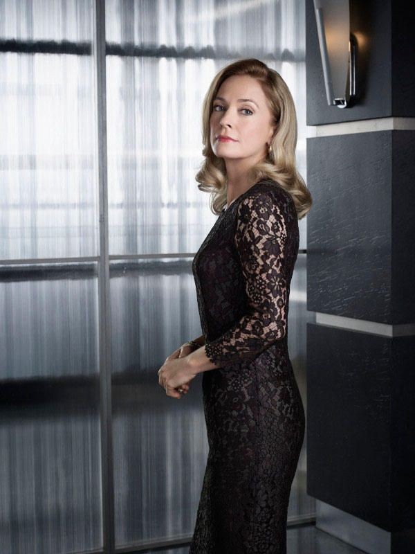 Susanna Thompson. Anyone remember her turn as the Borg Queen in Voyager? Did you? I thought not
