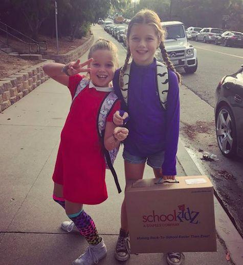 Rebecca Romijn & Jerry O'Connell's Twins: Third Grade - http://celebritybabyscoop.com/2017/08/25/rebecca-romijn-jerry-oconnells-twins-third-grade?utm_source=Pinterest&utm_medium=Social #BackToSchool #CarlieOConnell #CharlieTamaraTulipOConnell #DollyOConnell #DollyRebeccaRoseOConnell #JerryOconnell #RebeccaRomijn #ThirdGrade #Twinning #Twins