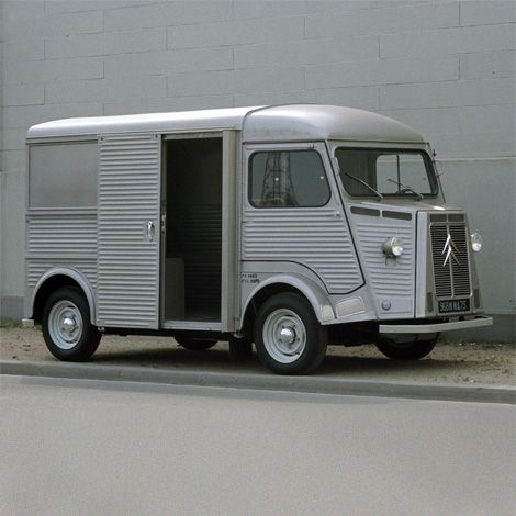 Citroën van represented the truck he used to take miranda away from the civilization of London. This truck was made in FRANCE cheap but quality and wile you drive it no one notice you.