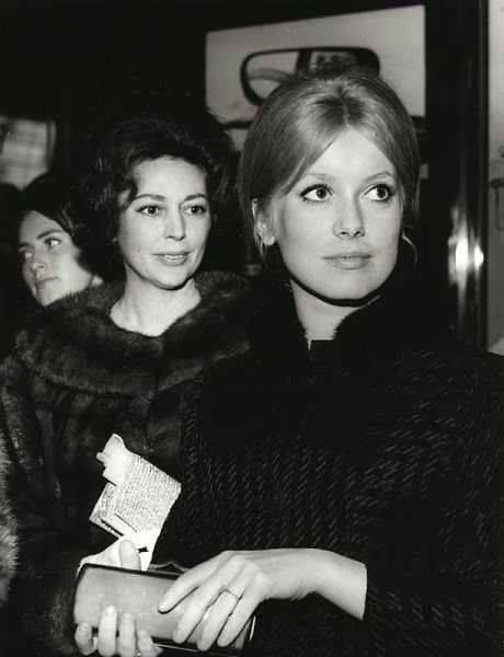 Catherine and Anne Vernon before one screening of Les Parapluies de Cherbourg (1964)