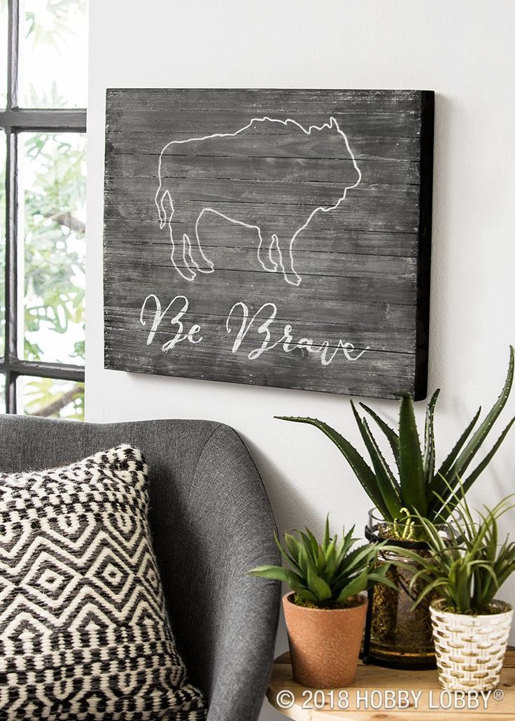 Even A Wooden Panel Becomes A Blank Canvas With A Coat Of Chalkboard Paint Chalkboard Crafts Diy Projects Videos Chalkboard