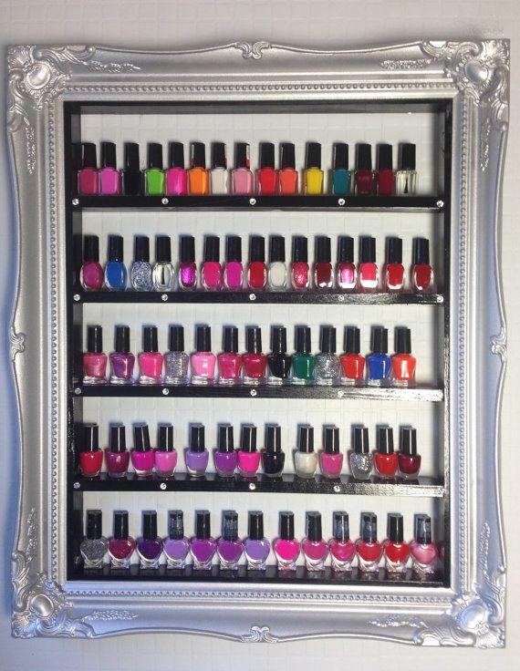Estante del almacenaje de esmalte de uñas con cristales