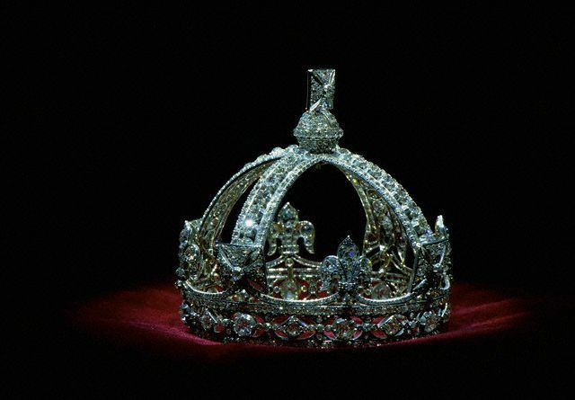 Queen Elizabeth's crown and jewels - Google Search