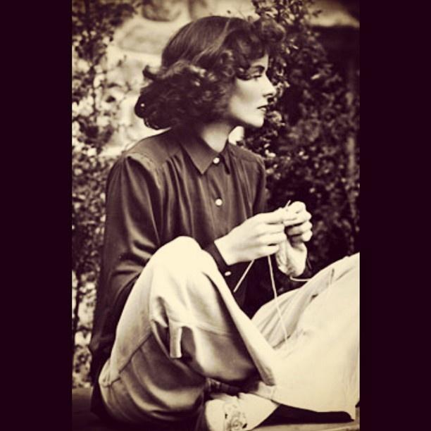 bytheriverknits:    Katharine Hepburn knitting. #knit #knitting #headstrong #styleicon #freespirit #actress #famousknitter
