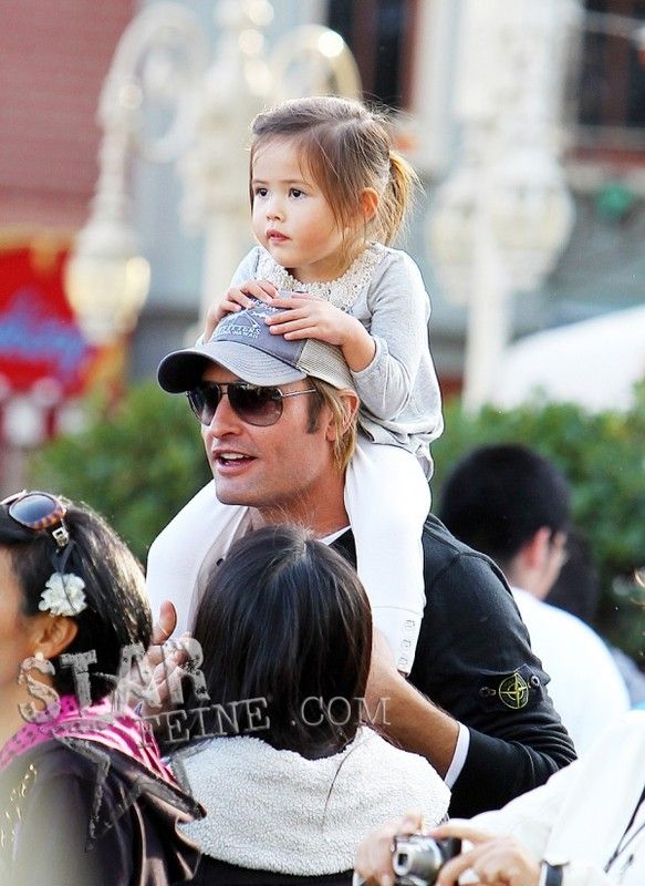 actor josh holloway and his daughter cute babies and