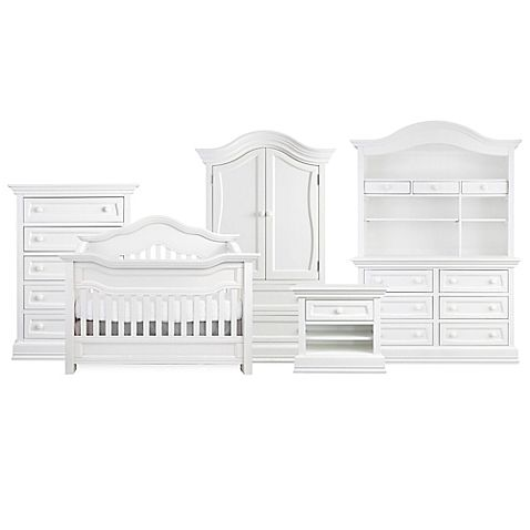 Baby Appleseed's striking Millbury Collection is a modern interpretation of the traditional nursery. The pieces' rolling curves and robust silhouettes add bold, modern flair to the classical styling.