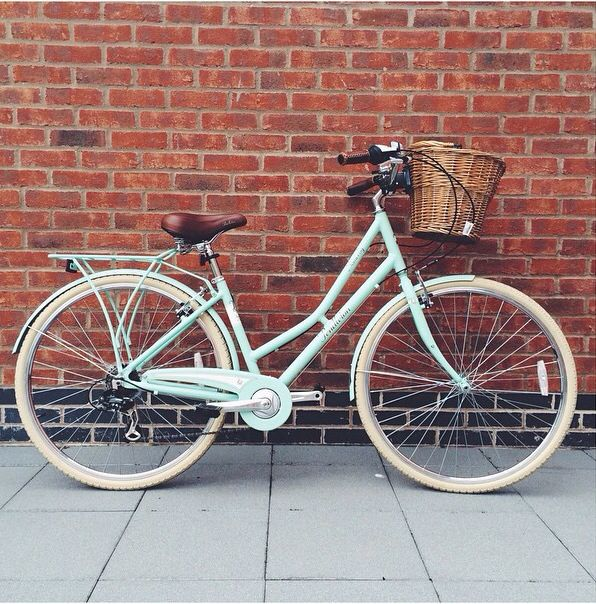Beautiful minty green Pendleton bike!