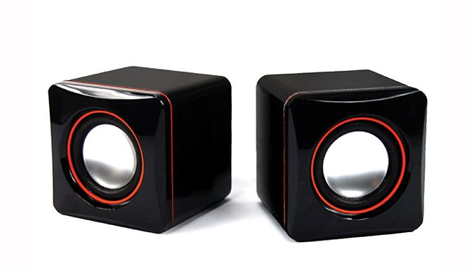 Humlin USB Speakers Crank up the bass with these Humlin® USB Speakers      Ideal for laptops, computers or TVs      Mac and Windows-compatible for ultimate versatility      Lightweight and portable, great for holidays or business trips      Built-in volume control with 2.0 channel stereo      Includes headphone jack      Stylish black and read design      Can be used for music, films, gaming...