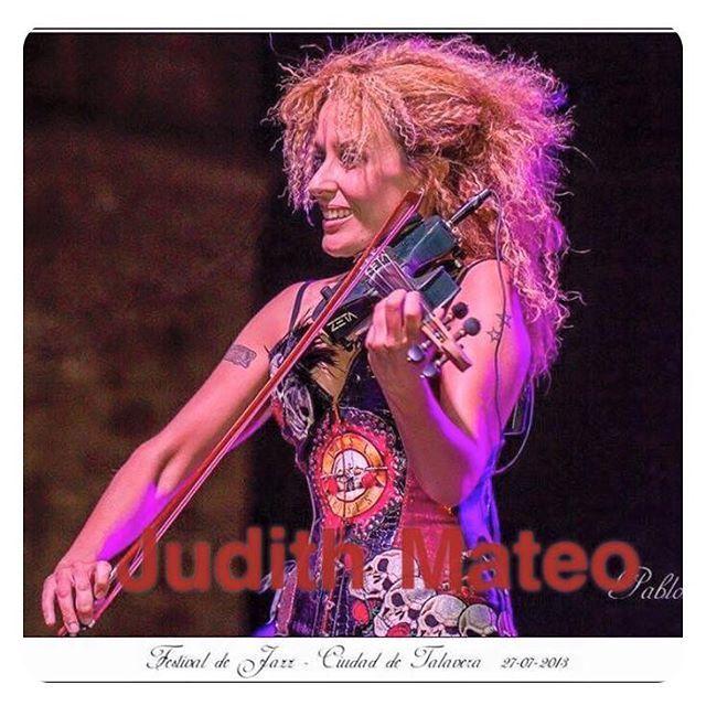 "Reposting @judithmateo: Tú lo llamas ""música"", Yo lo llamo ""forma de expresión"" ⭐️ ⭐️ ⭐️ #violin #electricviolin #rock #music #diva #music #genre  #song #songs #melody #hiphop #rnb #pop #love #rap #dubstep #instagood #beat #beats #jam #myjam #party #newsong #lovethissong #remix #favoritesong #bestsong #photooftheday #bumpin #repeat #listentothis"