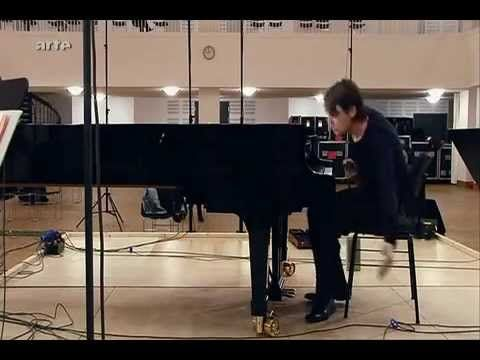 Bach Piano Concerto BWV 1055 A major David Fray - YouTube