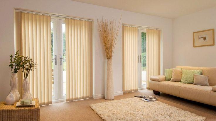 Вертикальные жалюзи и их конструктивные особенности. Вертикальные жалюзи, как и жалюзи алюминиевые горизонтальные – весьма популярная и удобная система защиты от солнечных лучей, идущих через окно. Их можно использовать в домашних помещениях, однако наиболее часто местом применения является офис. #интерьер #дизайн #шторы #пошив_штор #дизайн_штор
