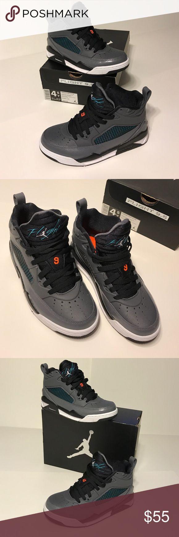 Jordan Flight 9.5 GS 4.5Y Jordan Flight 9.5 Grade School Size 4.5Y also fits WMNS 6 comes in original box Jordan Shoes Sneakers