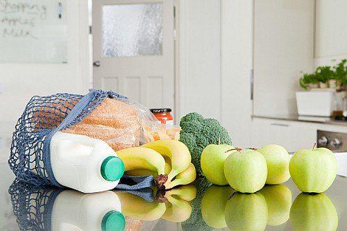 Двухнедельная диета. Результат вас порадует!<br><br>1-ый день: 2-3 яйца,фрукты и сырые овощи.<br>2-ой день: 450-550г творога с нежирной сметаной, 1л кефира.<br>3-ий день: фрукты и сырые овощи,1л кефира,1л сока.<br><br>4-ый день: 500г куриной грудки,1л кефира.<br>5-ый день: фрукты и овощи.<br>6-ой..