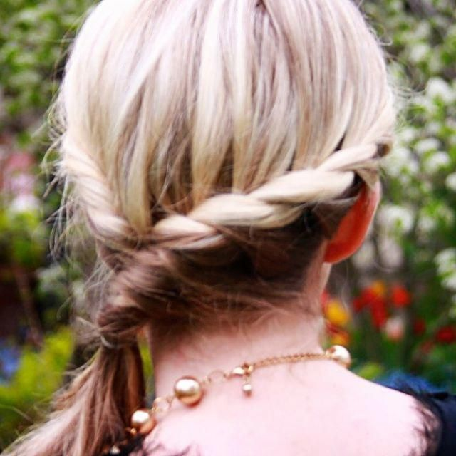 A gorgeous twisted crown braid tutorial that you can wear casual or save for those parties. Come checkout the easy to follow video tutorial and pictur...