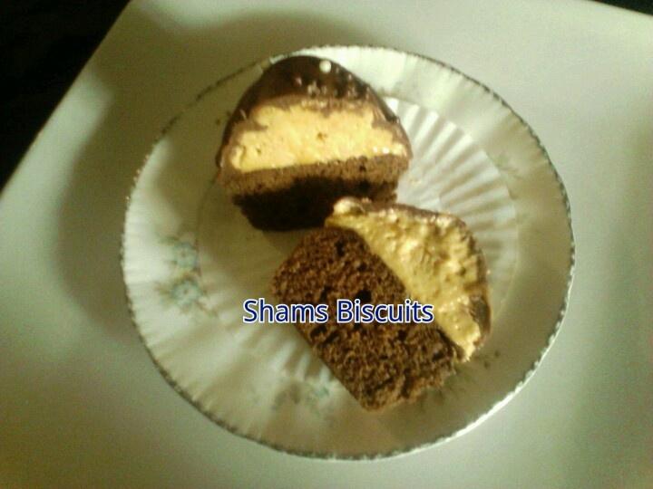 Peanut butter cream chocolate Cupcakes