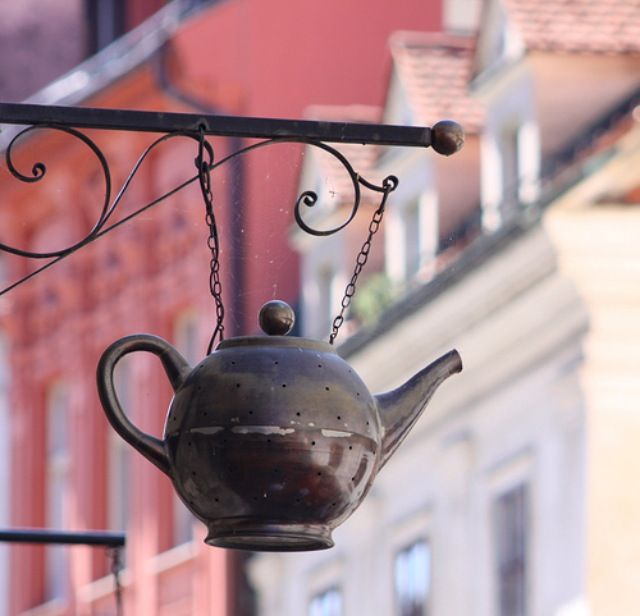 Tea Shop Sign...I want it!!!! maybe soon? TeaPots n Treasures   317.687.8768   www.teapots4u.com