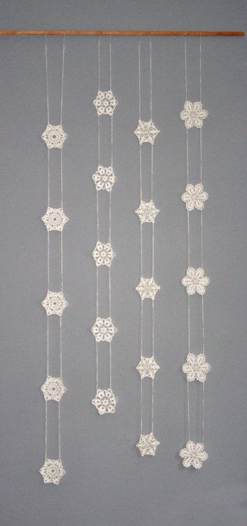 Crochet Snowflake Garland from ch1306 on Etsy.