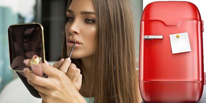 Sempre più donne usano il frigorifero come un'innovativa arma di bellezza per tenerci smalti,maschere per viso e occhi; make-up; creme solari e dopo sole. http://www.sfilate.it/235231/beauty-trend-dinverno-creme-make-up-danno-in-frigorifero